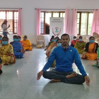 celebrating-international-yoga-day-04jp