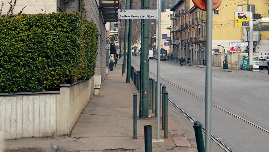 Sussite in c.so Casale la strada che conduceva al cimitero della Madonna del Pilone.