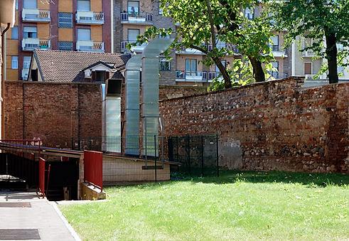 Muro perimetrale dela cascina Parella - Torino