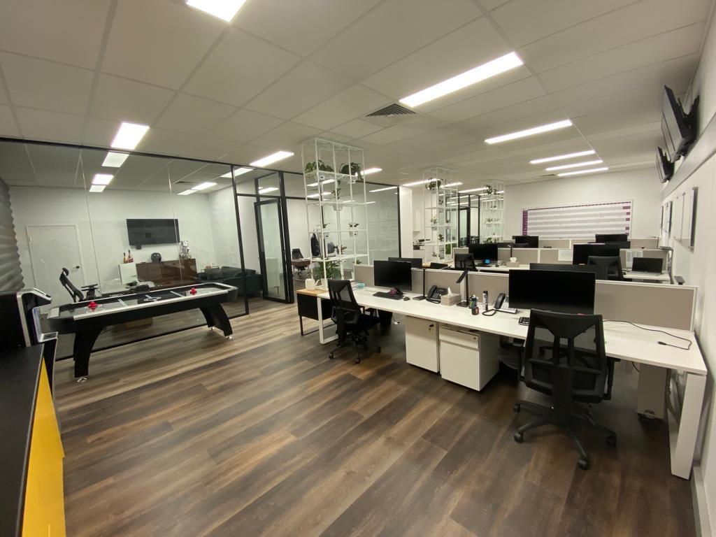 EK Office Design and Build