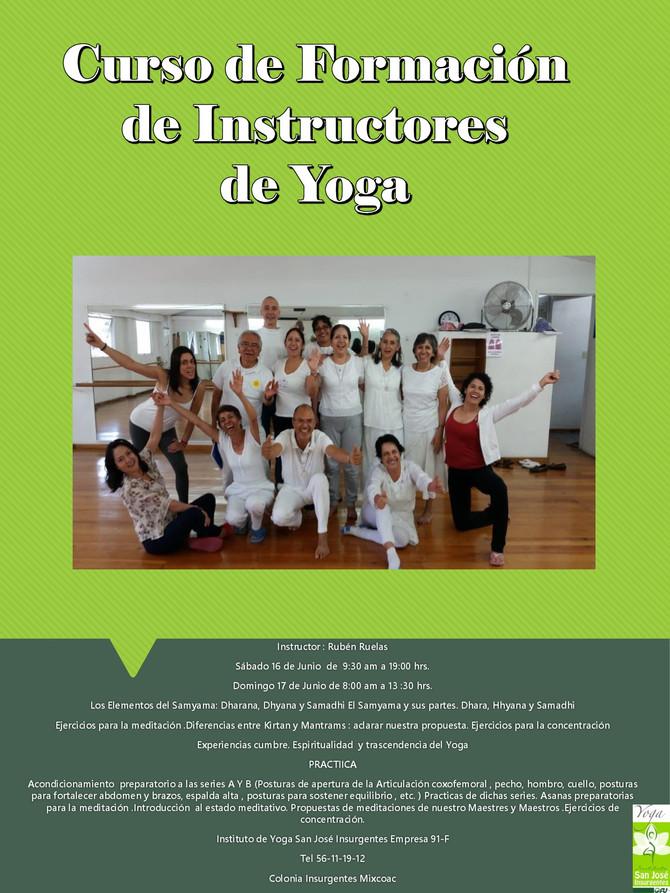 Curso de Formación de Instructores de Yoga