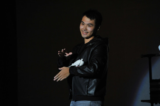 第十屆國際魔術大賽 總冠軍 邱繼賢