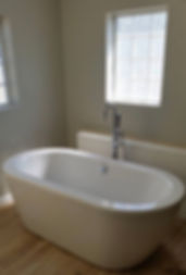 Free standing bathtub installed by Aspen Mountain Plumbing, Rock Springs WY