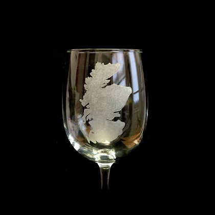 Map of Scotland / engraved wine glass / Scottish theme
