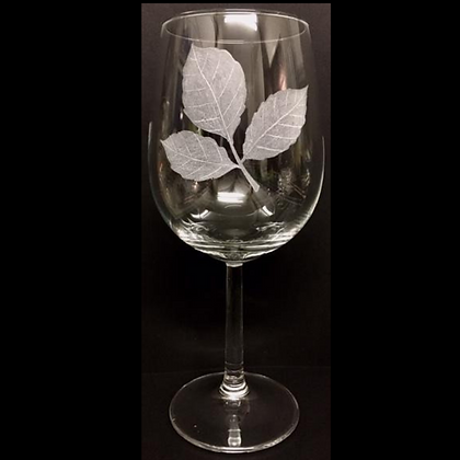 Autumn leaves / Engraved wine glass / Silhouette leaves