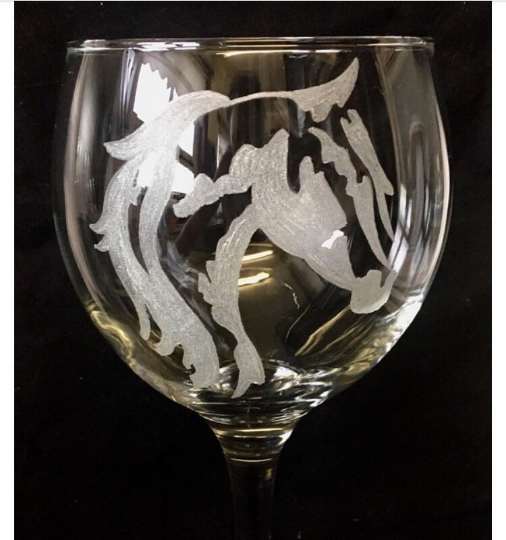 horse head engraved gin glass