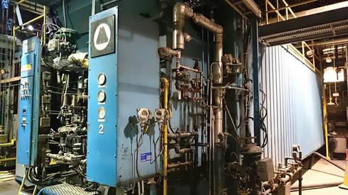 Une chaudière à vapeur à l'usine de Cascades Cabano