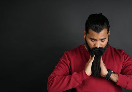 BENEFITS OF BEARD OIL AND HOW TO USE IT