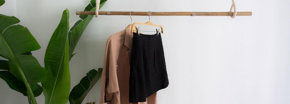 Tropical Cloth Hanger