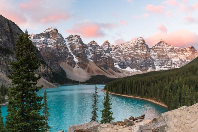 Moraine-Lake-Sunrise-1_websize.jpg