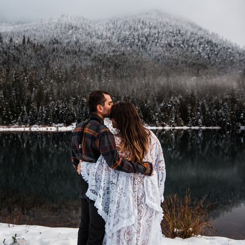 adventure-elopement-washington-snow-22.j