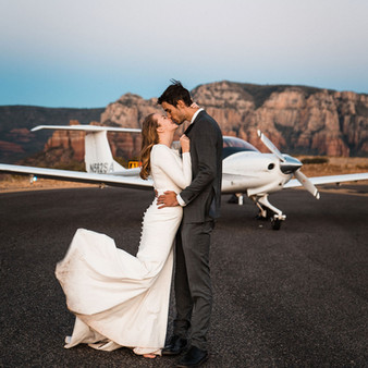 sedona-adventure-elopement-airplane-71.j