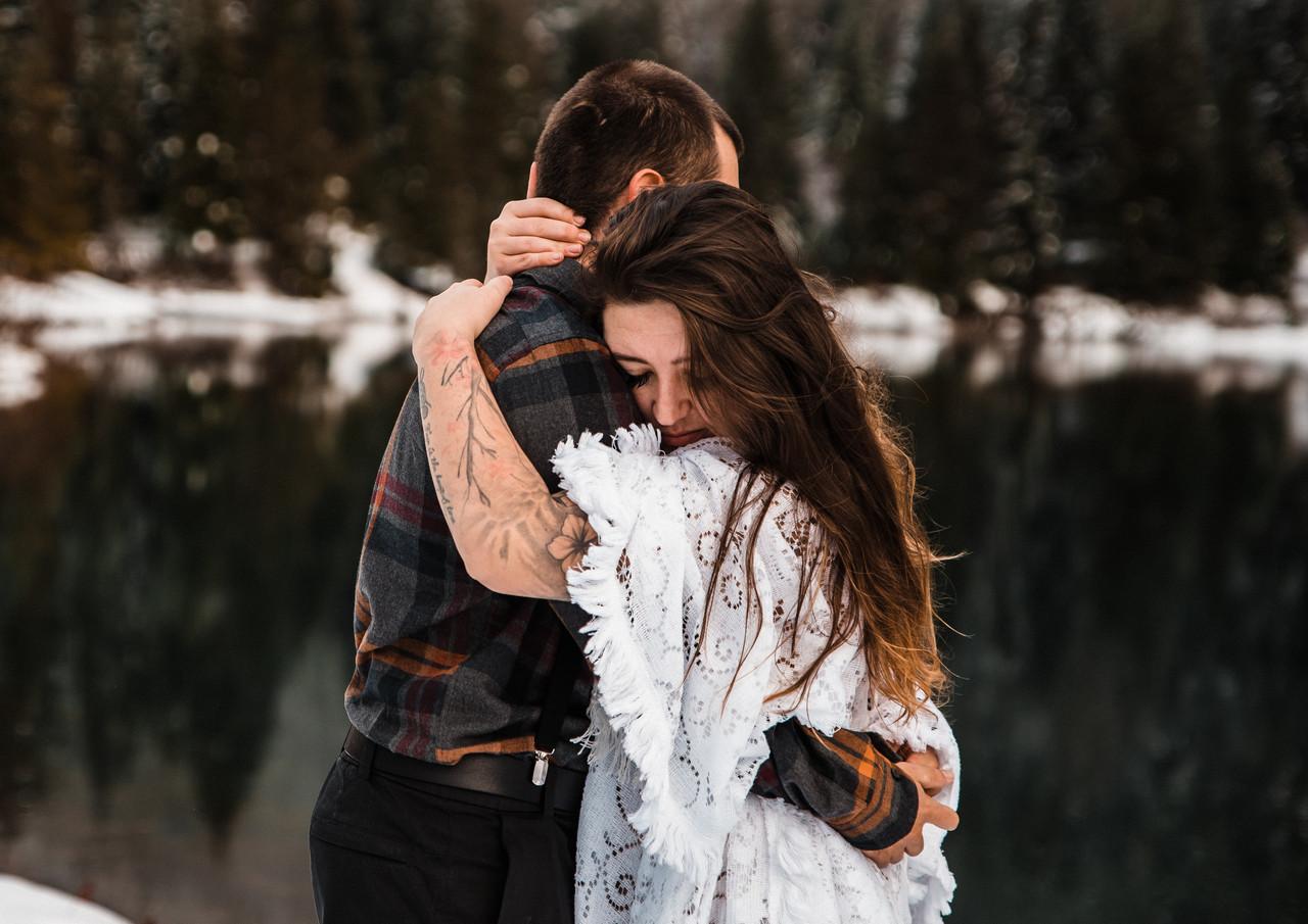 adventure-elopement-washington-snow-27.j