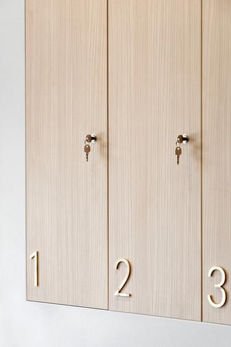 Ostermann Abet-Print 639 Grainwood Olmo Montano locker doors