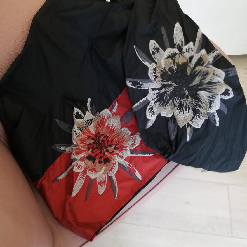 Maglia a fiori Pokomoto