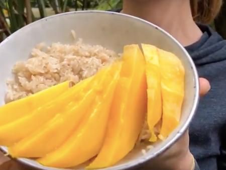 Recette : riz gluant à la mangue et au lait de coco 🇹🇭