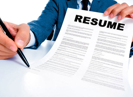 5 Reasons Why You Shouldn't Write Your Own Resume
