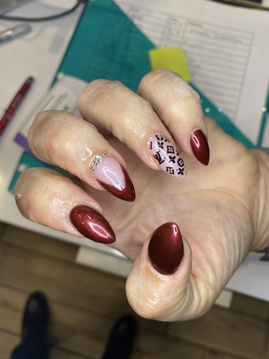 Louis Vutton nail art