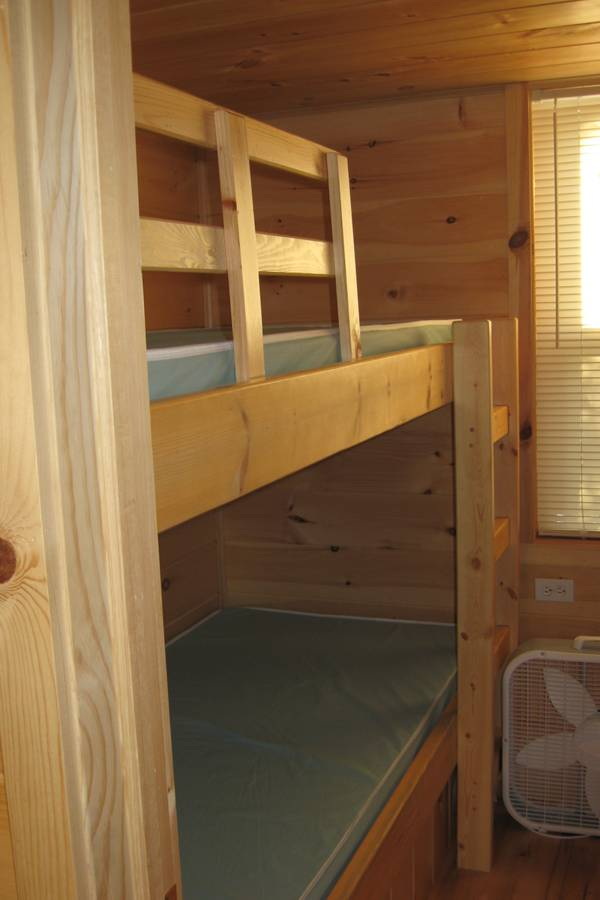 On left, 2 twin bunks.
