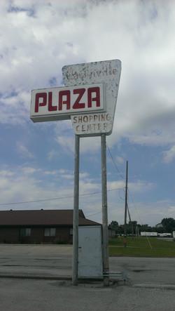 Carlinville Plaza Pylon Sign