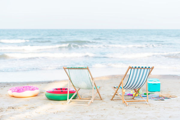beach-beach-chairs-chairs-1484256.jpg