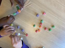 Gumdrops and toothpicks! Sci.Zone