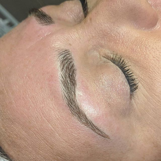 Microblading yearly top-up