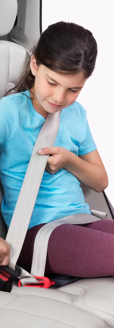 girl buckling mifold One.jpg