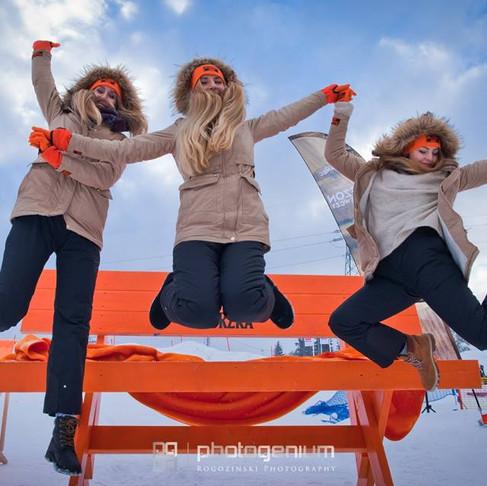Zimowe rozgrzewanie z marką Stock - góry, śnieg i świetny klimat