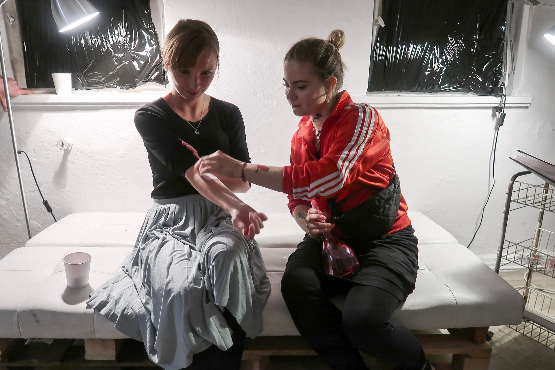 Poprawka_dokumentacja_dziewczęcy_tatuaż_