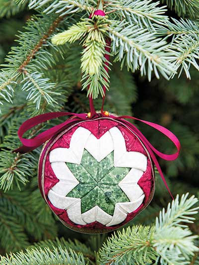 Folded fabric ornament pattern and kit. No- sew christmas ornament. Red, white and green xmas ornament.