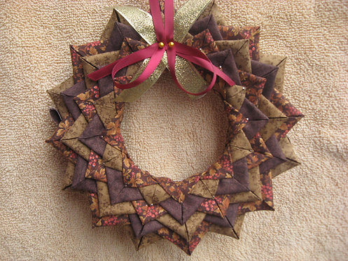 Folded Fabric, No- Sew Wreath Ornament pattern, brown and cranberry fall colors wreath decoration, wall hanging,