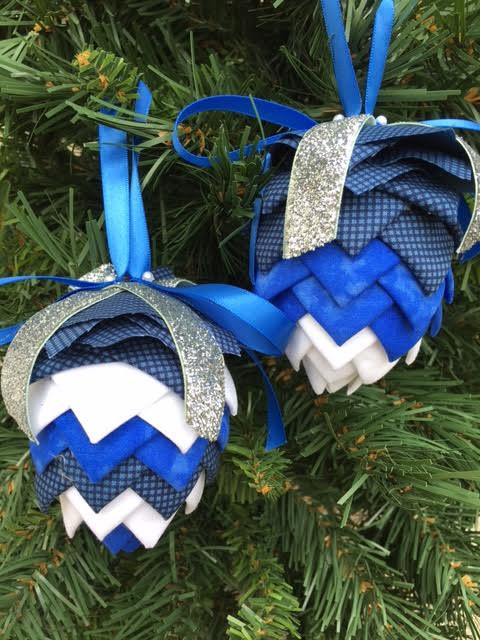 Folded Fabric No Sew Complete Christmas Ornament Kit. Blue and White Pinecone kit.