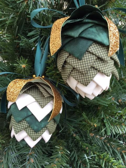 Folded Fabric No Sew Complete Christmas Ornament Kit.  Green and Cream Pinecone kit.