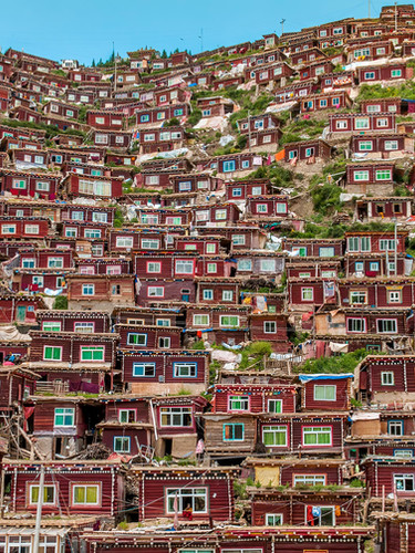 si02_shinyaitahana_house-of-tibetan-buddhist-nuns_01_web.jpg