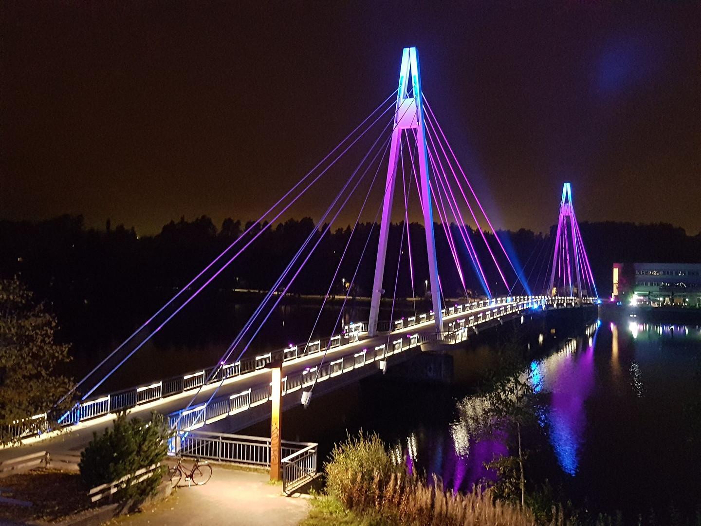 Bridge effect lighting