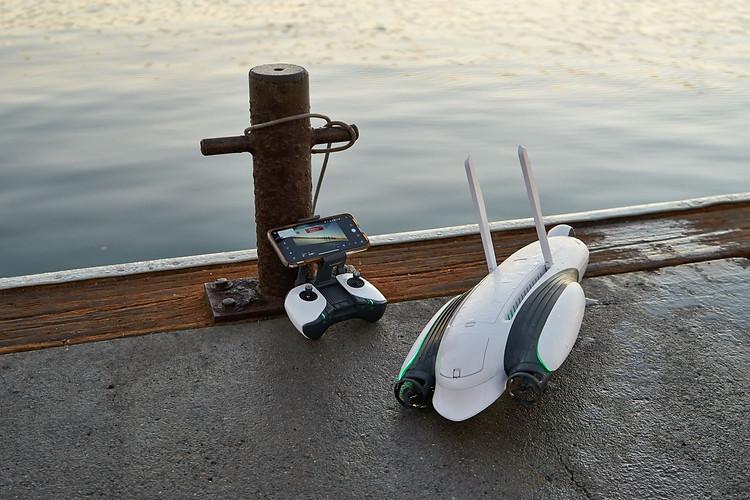 Power Dolphin & Controller