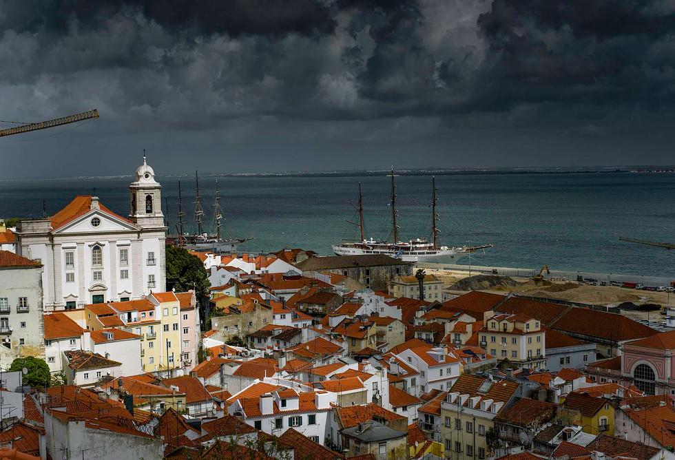 Alfama_Lisbon_-_160420-7249-jikatu_(2594