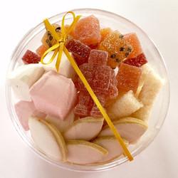 מארז מבחר ממתקים בעבודת-יד
