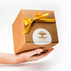 מארז מתנה ממתקים בעבודת-יד