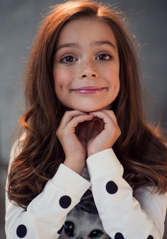 Детское портфолио. Портрет девочки. Фотограф Наталия Мужецкая