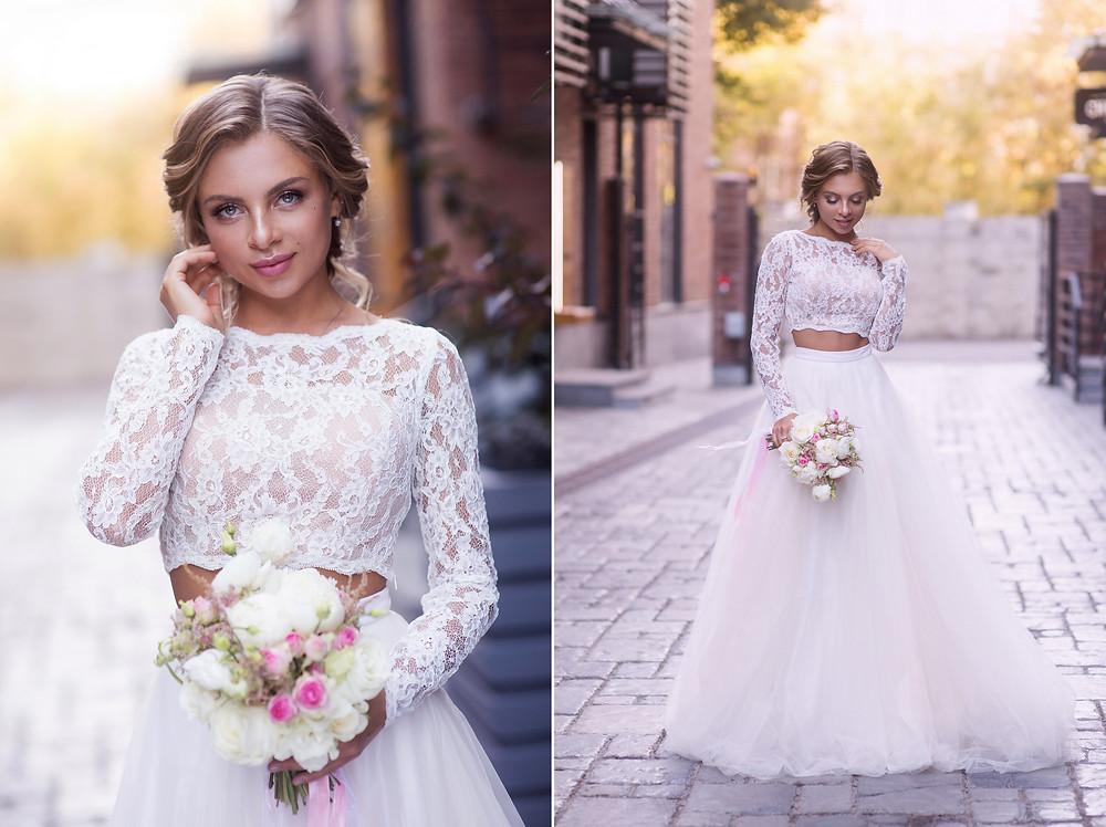 Портрет невесты в платье с букетом