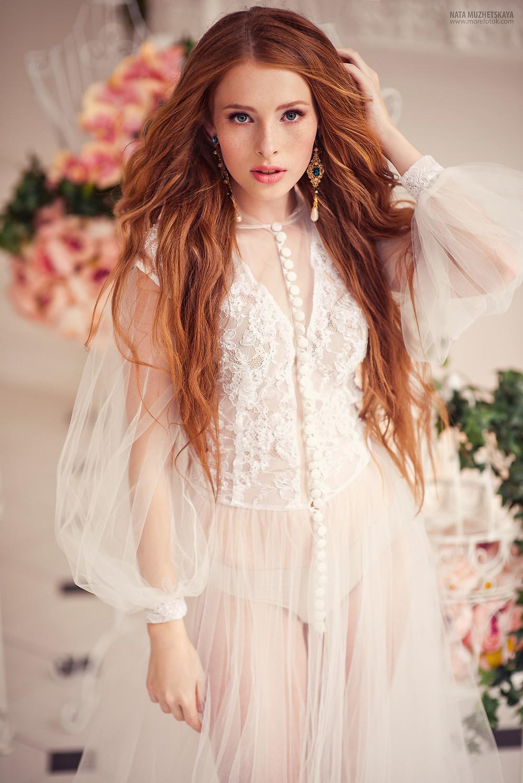 Образ невесты с распущенными длинными волосами