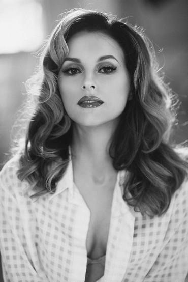 Женский портрет, фотосессия модели в студии, фотограф Наталия Мужецкая