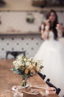 Утро невесты. Свадебная фотосессия для двоих в лофт квартале. Фотограф Наталия Мужецкая