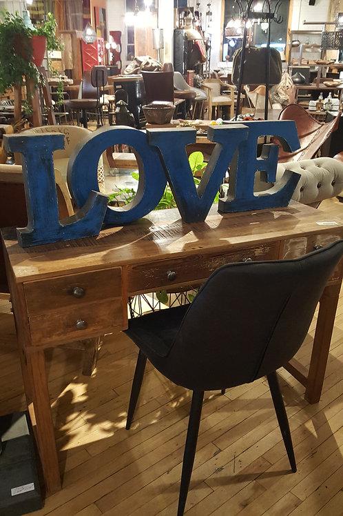 Lettres en métal LOVE
