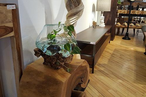 Vase sur souche de bois