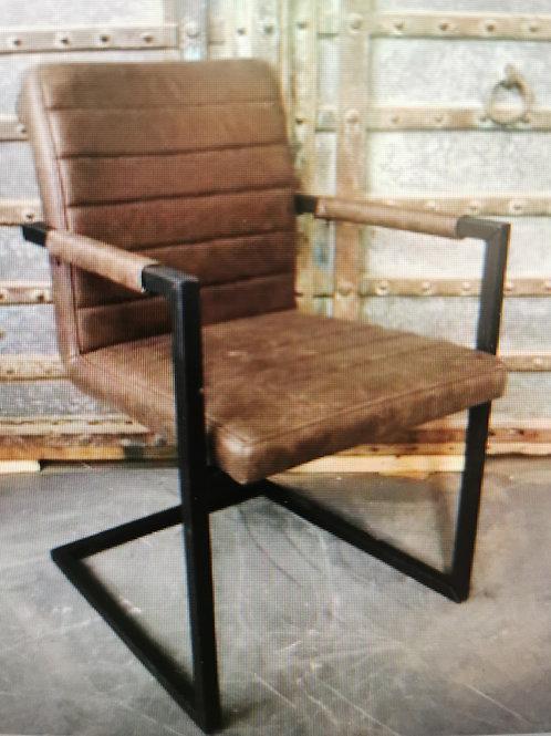 Chaise avec accoudoir
