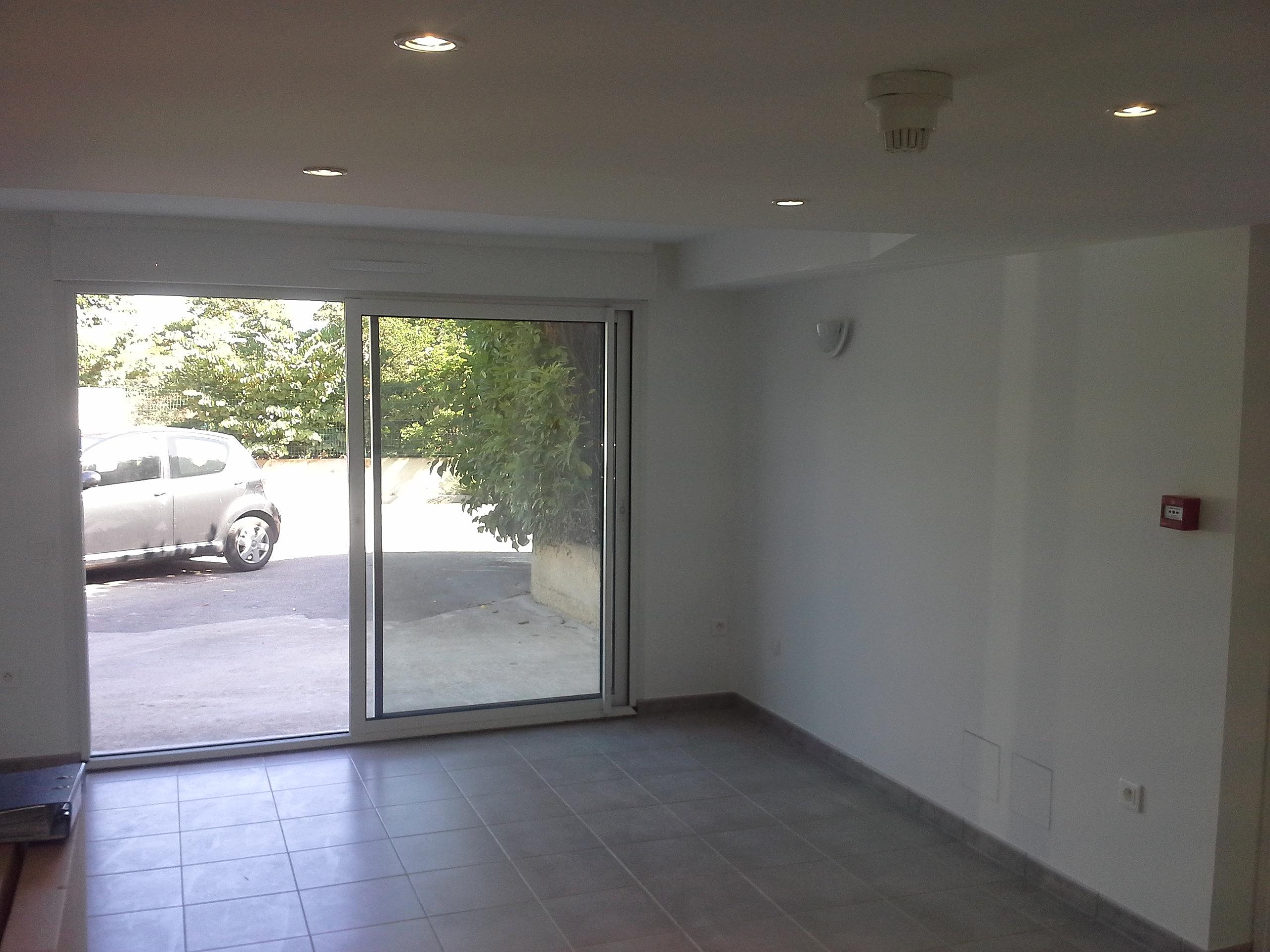 amnager un garage en chambre mission possible transformer un garage en chambre damis le garage. Black Bedroom Furniture Sets. Home Design Ideas