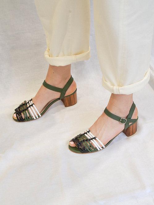 ARTIGA - Women's hand-laced sandals